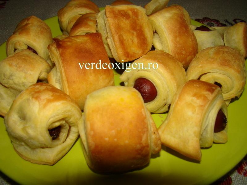 carnaciori picanti si aluat de foietaj