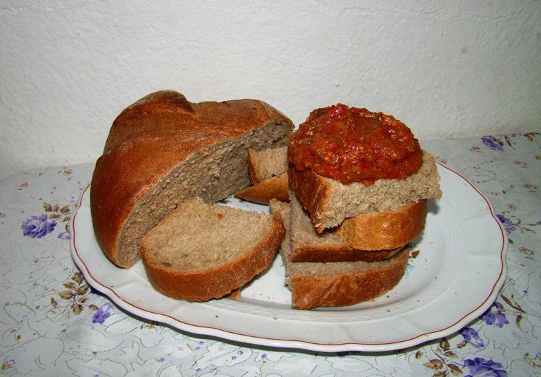 Zacusca pe paine