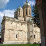 Manastirea Dealu – loc de inchinare si de aduceri aminte