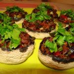 Bune de tot: Ciuperci umplute cu carne