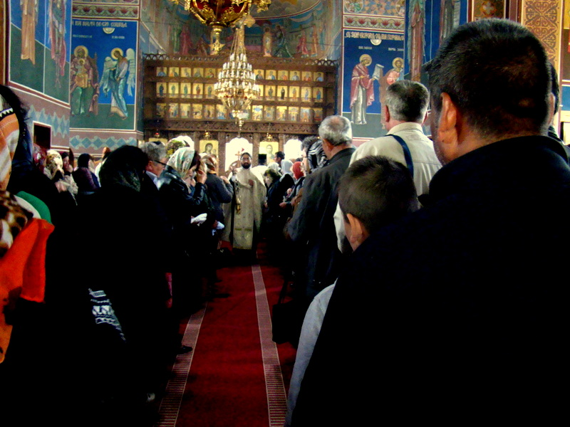 Biserica noua Caluiu