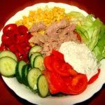 Cum sa faci cea mai simpla salata de ton folosind un ingredient la care nu te gandeai