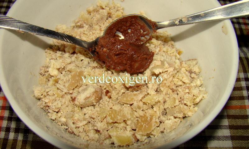 ciocolata si miez de castane tavalite prin miez bun de castane