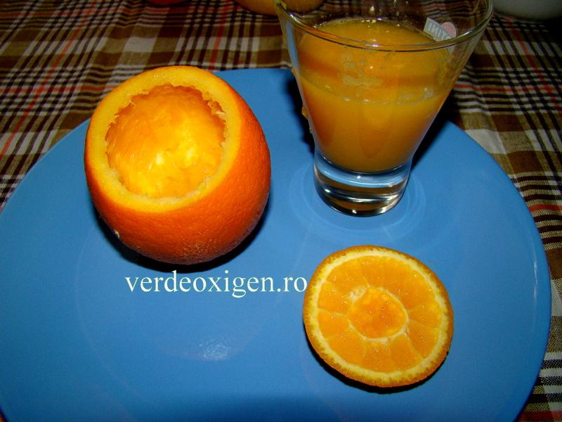 portocala scobita cu lingura