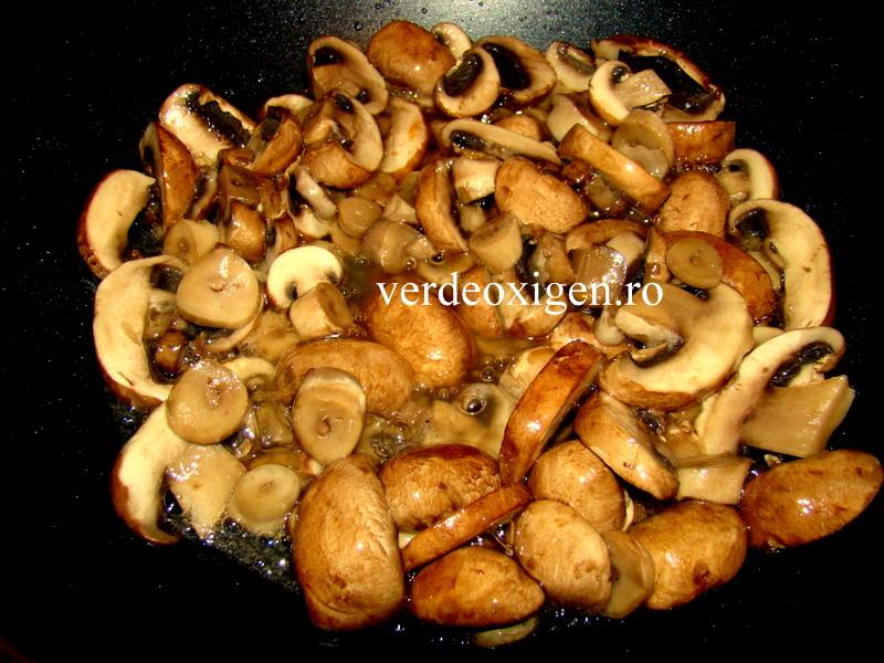 ciuperci brune calite