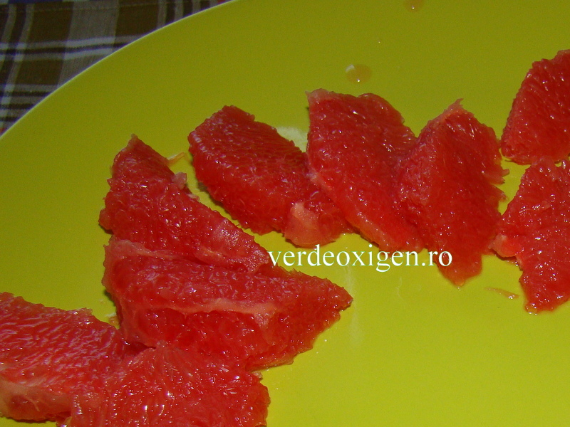 felii savuroase de grapefruit rosu