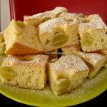 Prajitura cu iaurt si struguri albi: Aroma si savoarea duminicilor tale
