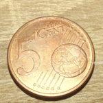 Ai o moneda de 5 cenți? Poti sa creezi din ea un lucru uimitor