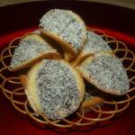 """""""Scoici"""": Prăjiturele delicioase cu cremă ciocolătoasă"""