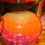 Ai auzit de beneficiile sucului minune din măr, morcov și sfeclă roșie? Uite aici cum se prepară
